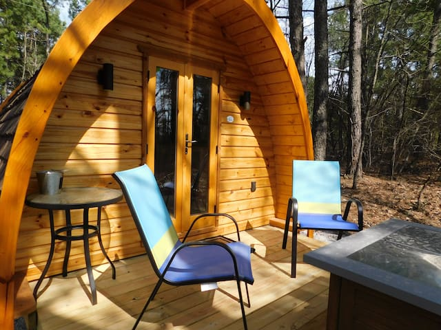 "Iris Hill Glamping - "" Otis "" pod - 5th night FREE"