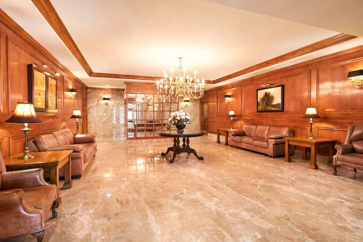 50 Laurier luxury 1 bedroom Apartments Ottawa