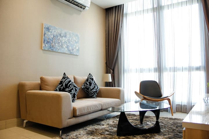 D' OLIVE Shaftsbury Premium Suite   by Premiumstay