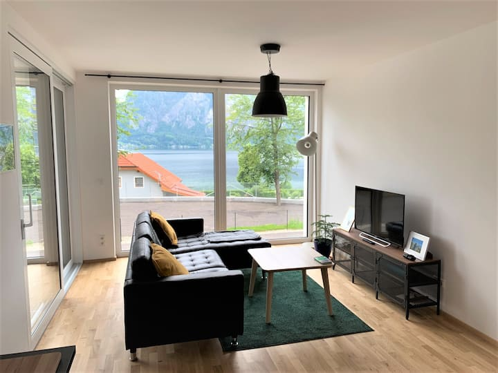 Neue Wohnung mit Blick auf den See und Traunstein