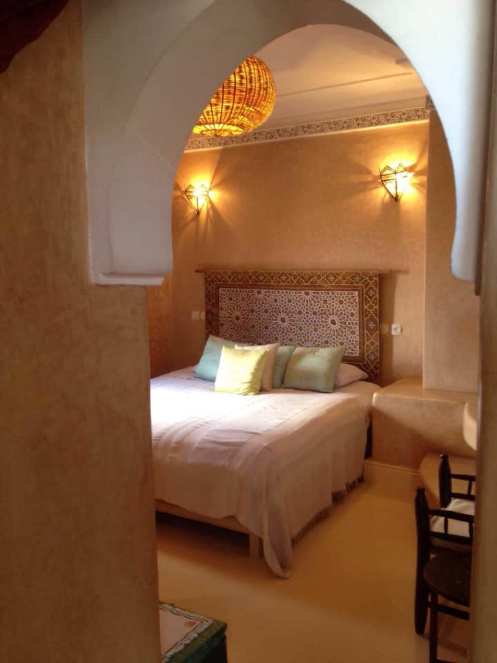 Spacieuse ch. double King Size Bed!