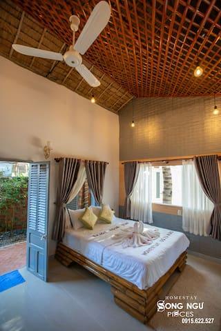 Fan traditional room