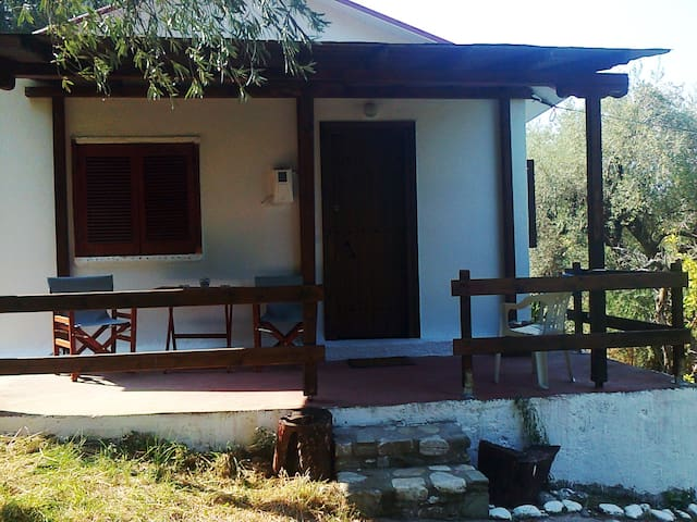 PIECE OF MIND LITTLE HOUSE 50meters from the sea