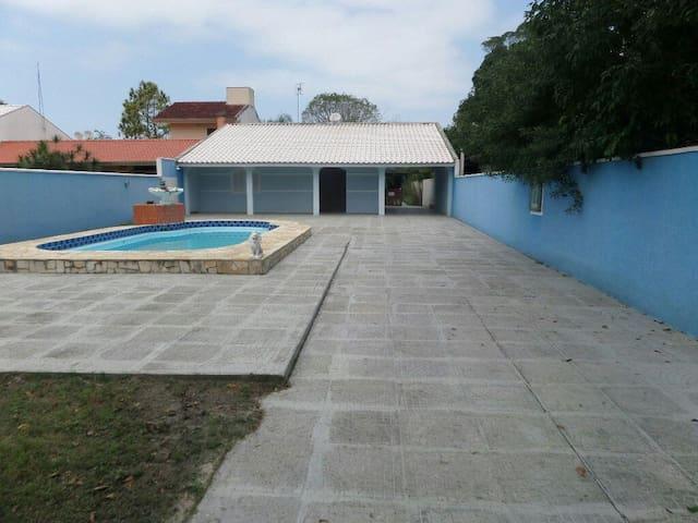Casa familiar em Pontal do Sul