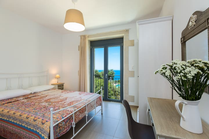 Double bedroom with beautiful sea views.
