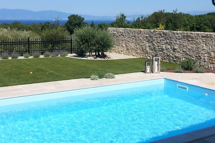 Holiday home Villa Lia with pool and sea view - Žgombići - Villa