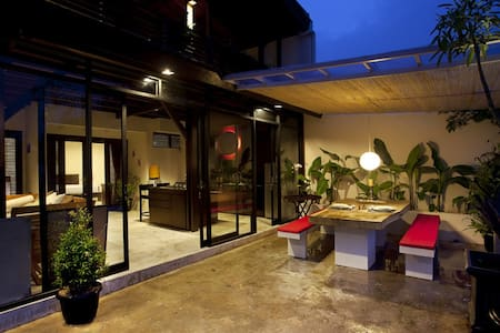 Amazing villa with stunning view at Dago, Bandung! - Cibeunying Kaler - Villa