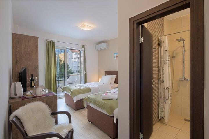 Le Marc Guesthouse  Budva - Twin Room