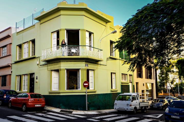 LOVELY ROOM IN COLONIAL VILLA3 •SANTA CRUZ •CENTER - Santa Cruz de Tenerife - Villa