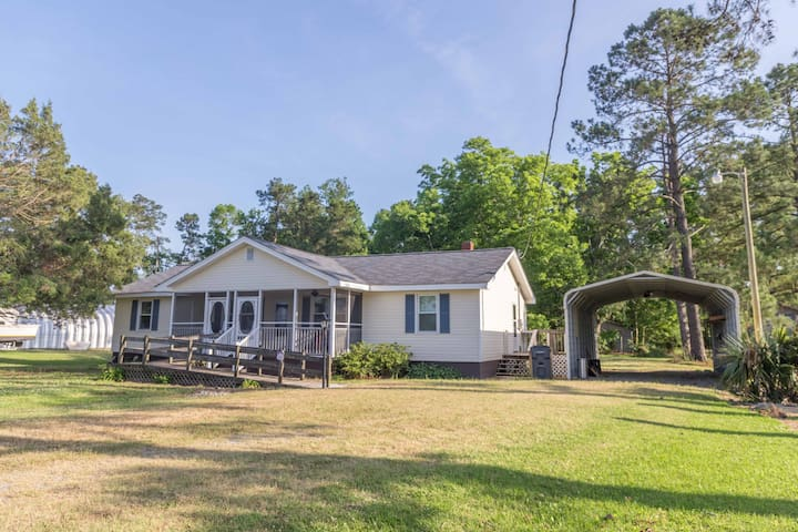 Man Cave - Perfect retreat for fishing or hunting enthusiasts