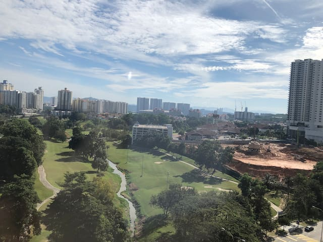 Golf view KLCC view windy apartment for 2+1