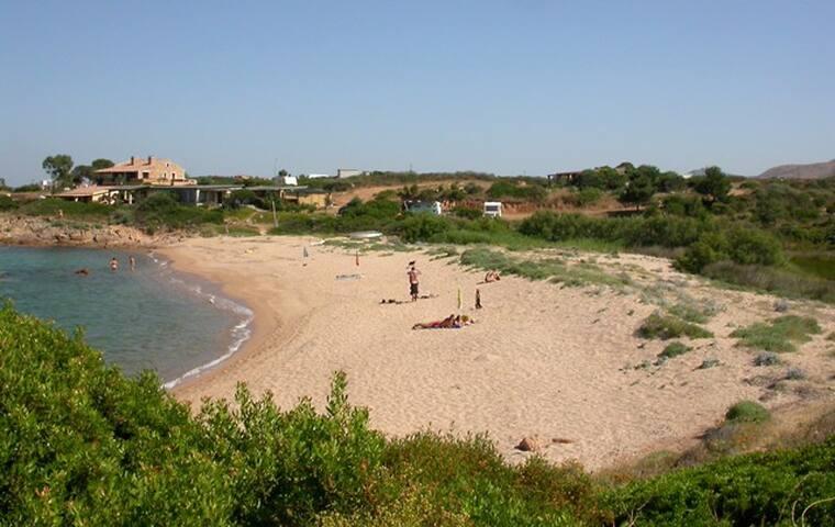 vista intera spiaggia da lato sinistro