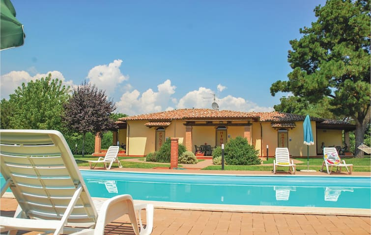 Holiday apartment with 1 bedroom on 40 m² in Castiglione d.Lago PG