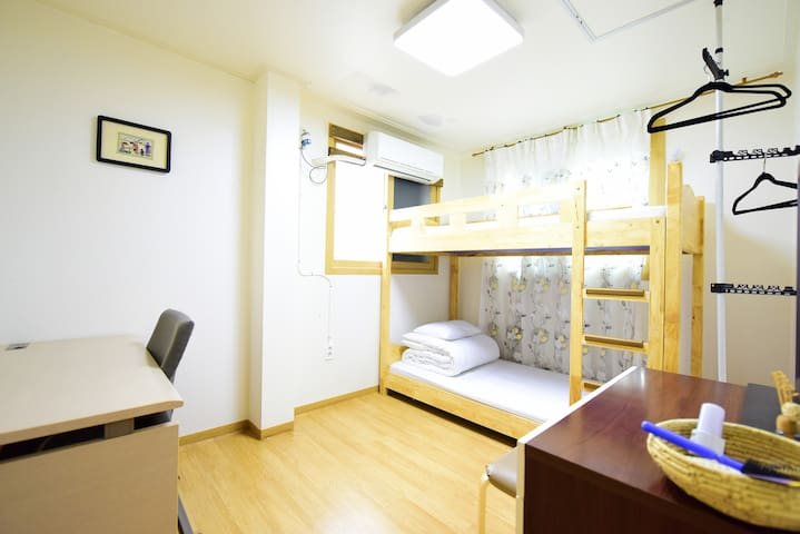 Single room exclusively for women (Indara Room)