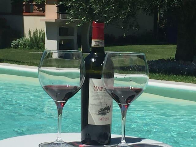 Il Girasole  Home con piscina e Idromassaggio - Montopoli - Casa