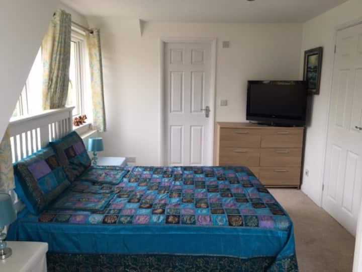 BB Big Double Room En-suite B/room TV Parking