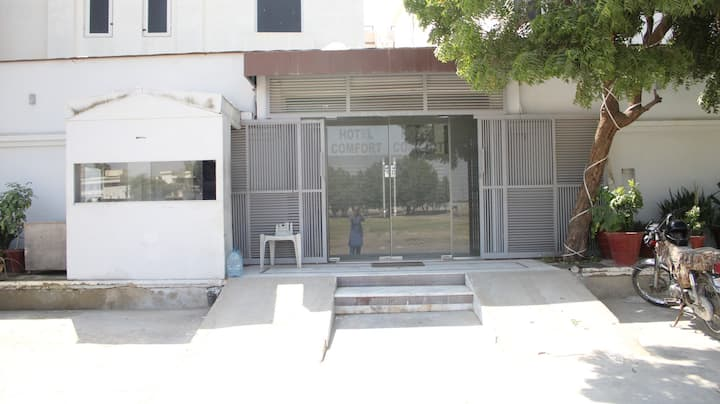 Best facilities in low budget In VIP Clifton area