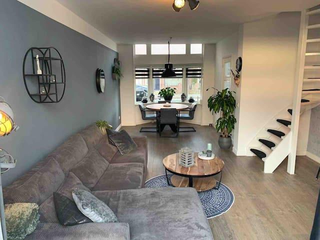 Leuke 2-persoons woning met tuin en buitenkeuken