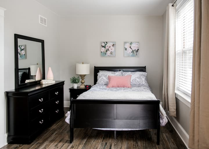 Bright & Airy Apartment: Unit1. Monthly Discount!