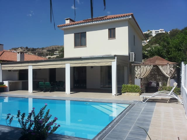 Apollonas Villa with Private Pool - Pissouri Beach