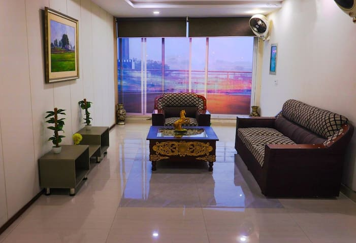 🏡2 Bedroom Private Apartment near DHA LAHORE. 👪