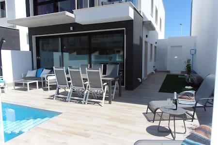 Huis met privé zwembad San Pedro Del Pinatar - San Pedro del Pinatar - Dom