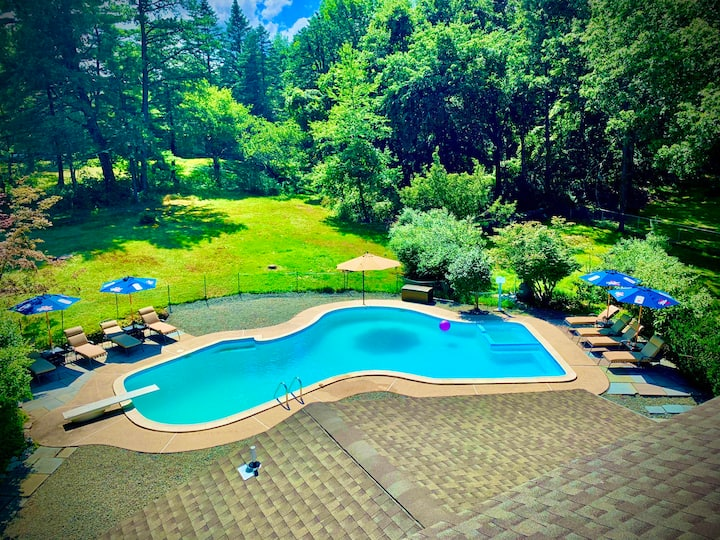 Olympic Outdoor Pool - Poconos Home Resort!