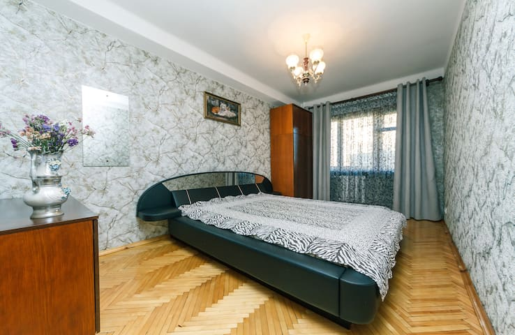 2 bedroom apartment on Chokolovskiy Bulvar