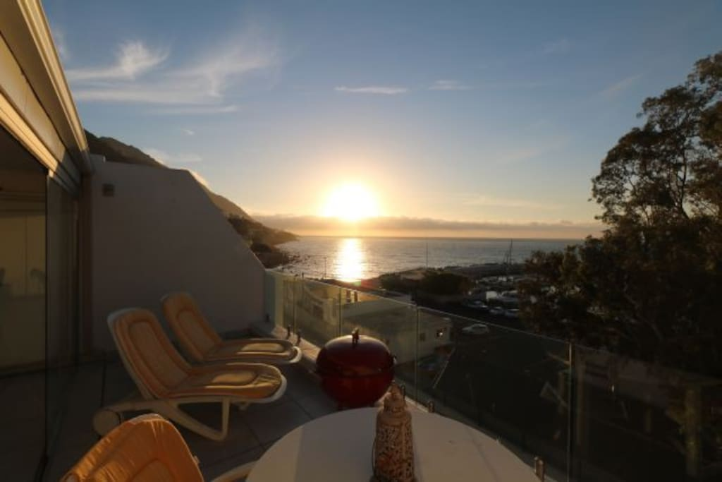 Fabulous patio offering great sunsets and views of ocean and harbour below
