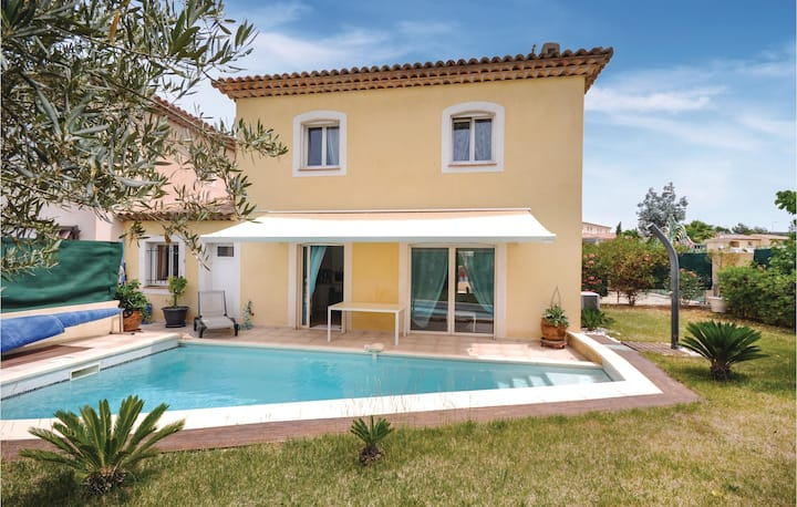 Beautiful home in Saint Raphael with WiFi and 3 Bedrooms
