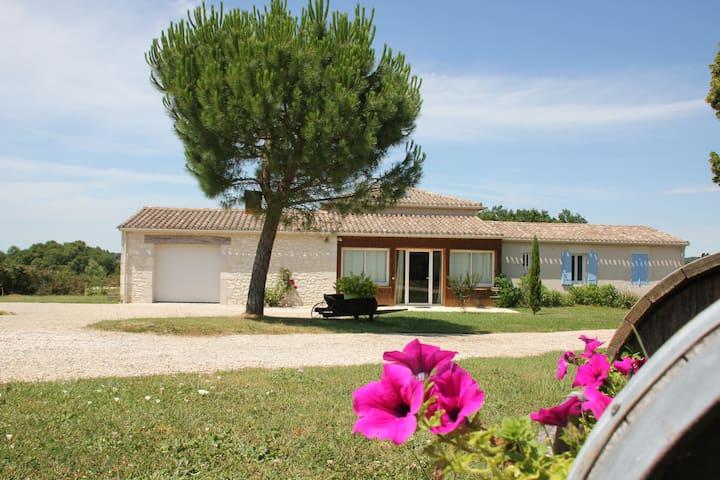 Chambre d'hôte avec piscine entre Bergerac & Eymet - Flaugeac - Casa