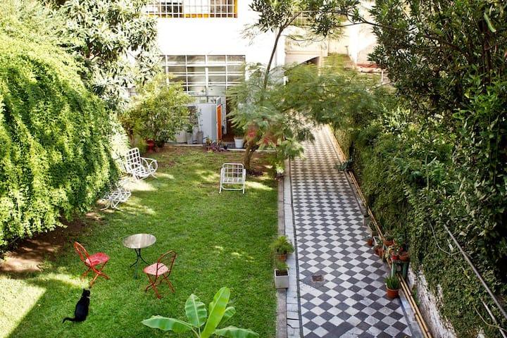 Lovely room, garden views!
