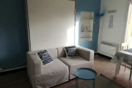 T1 apartement in Cassis near center