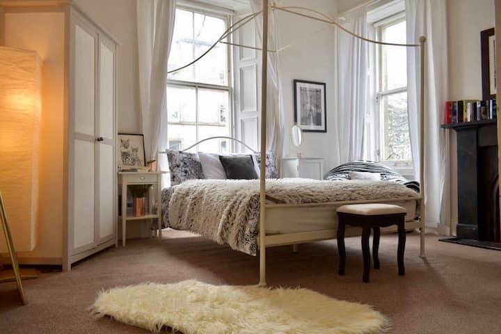 Double room in lovely Stockbridge