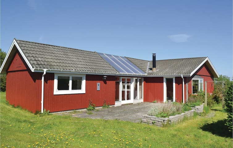 Holiday cottage with 3 bedrooms on 100 m² in Glesborg