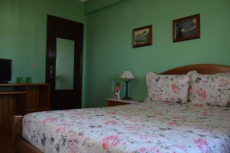Quarto Van Gogh -privado   Wi fi - House