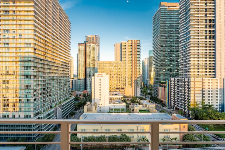 2| 3/2 1st Brickell Lux Residences by NOMAD GURU