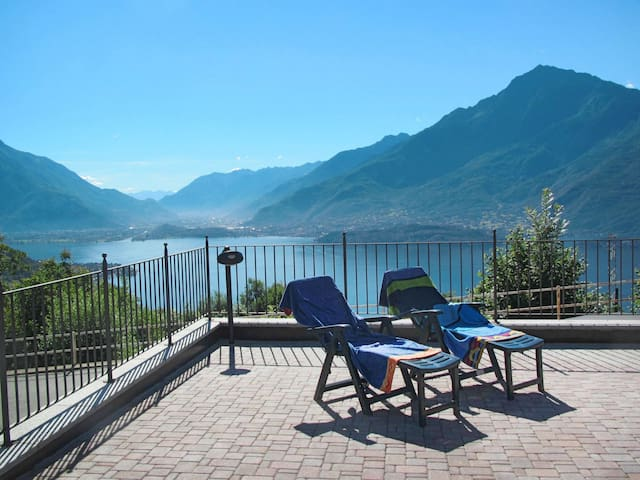 Holiday apartment in Gravedona ed Uniti for 3 persons