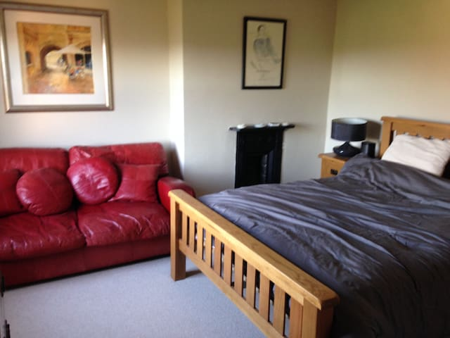 Double Bedroom with en suite - Bed & Breakfast