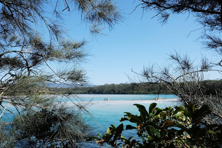 Relax and  replenish  in beautiful Narrawallee!