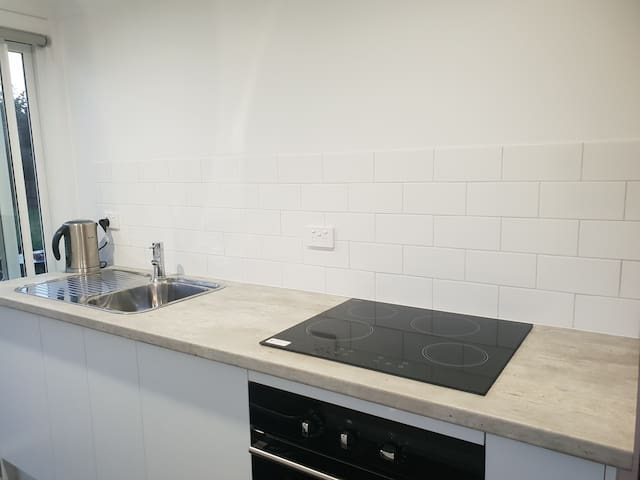Close to CBD, Hospital and netball/tennis courts