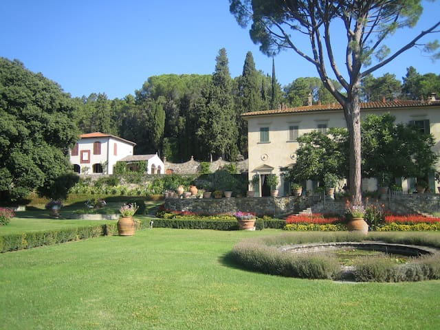 Stunning villa just 20 minutes from Florence!