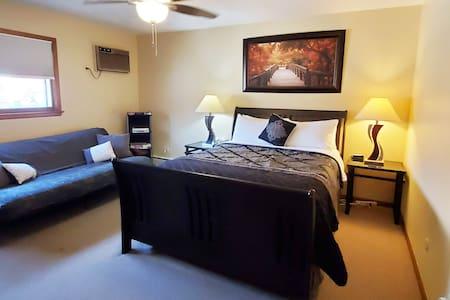 ~Home Comforts, Roku SmartTV, Fast WiFi~