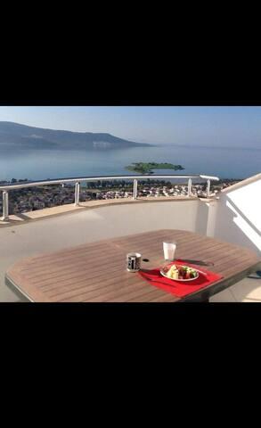 En cité privée avec piscine et à 500m de la mer !!