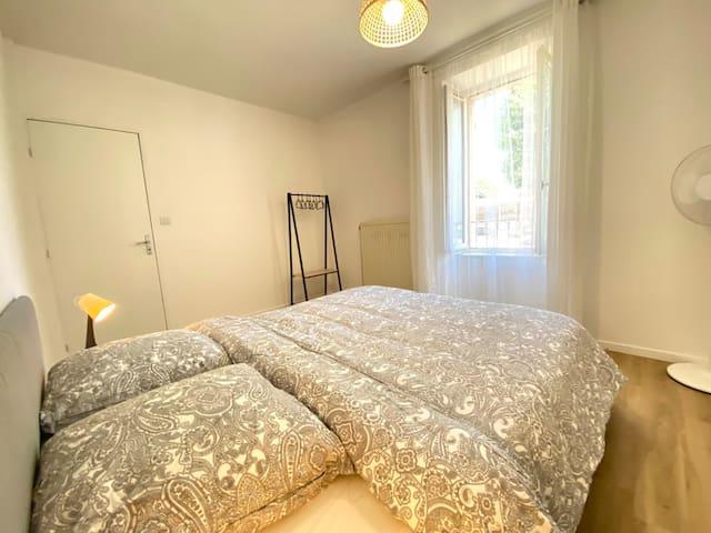 Chambre avec lit queen size (160x200)