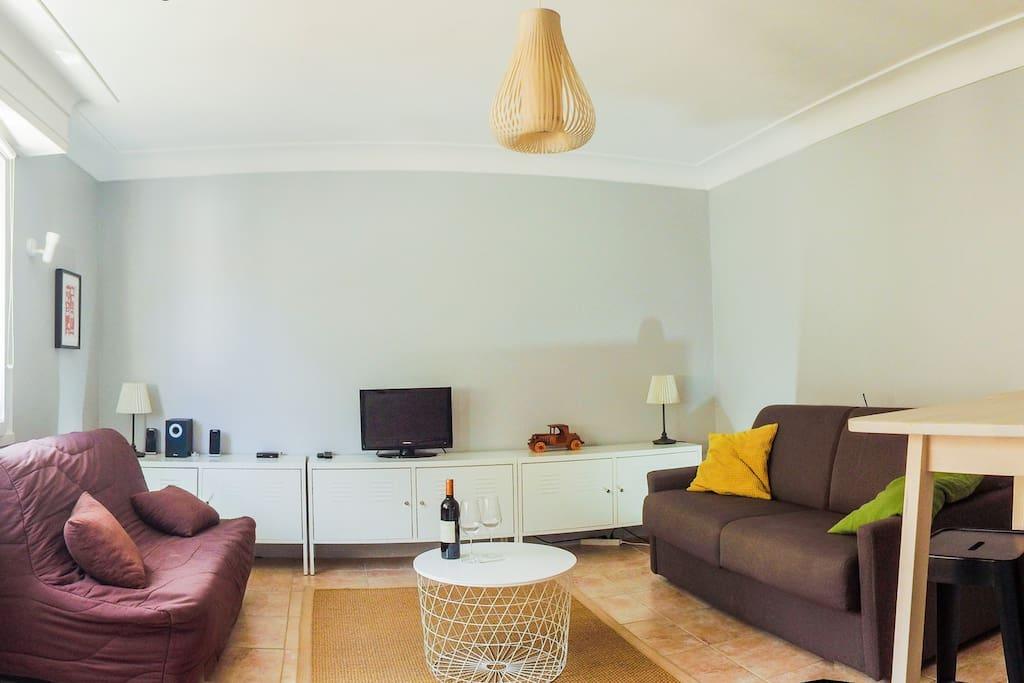 studio 30 m2 biarritz centre 300m plage garage appartements en r sidence louer biarritz. Black Bedroom Furniture Sets. Home Design Ideas