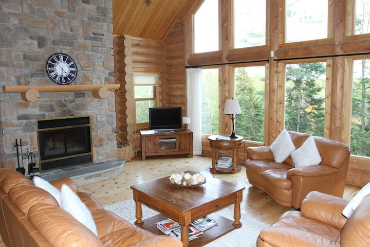 ChaletsOasis Deer Creek Log Home near Ski Hills - Mille-Isles - Casa