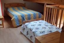 Mezzanine: couchage pour 3 personnes