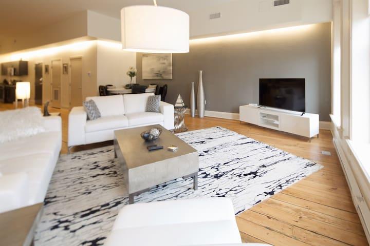 Downtown/Short North Luxury Loft