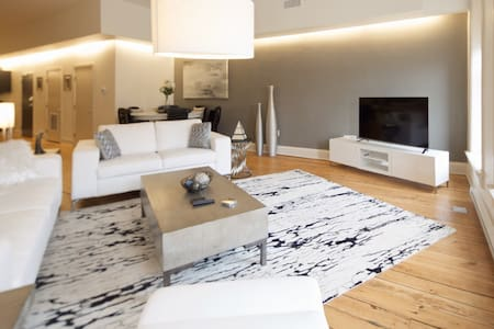 Downtown/Short North Luxury Loft - Columbus